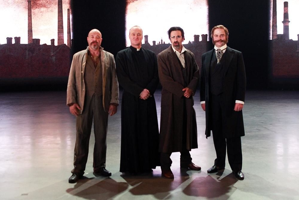 De cast met o.a. v.l.n.r. Manou Kersting, Peter Thyssen, Jan Schepens en Fabrice Pillet., FODI