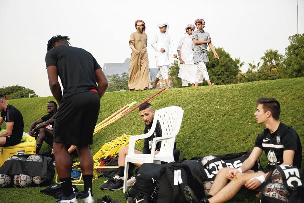 Une image du stage d'entraînement d'Eupen au Qatar., belgaimage