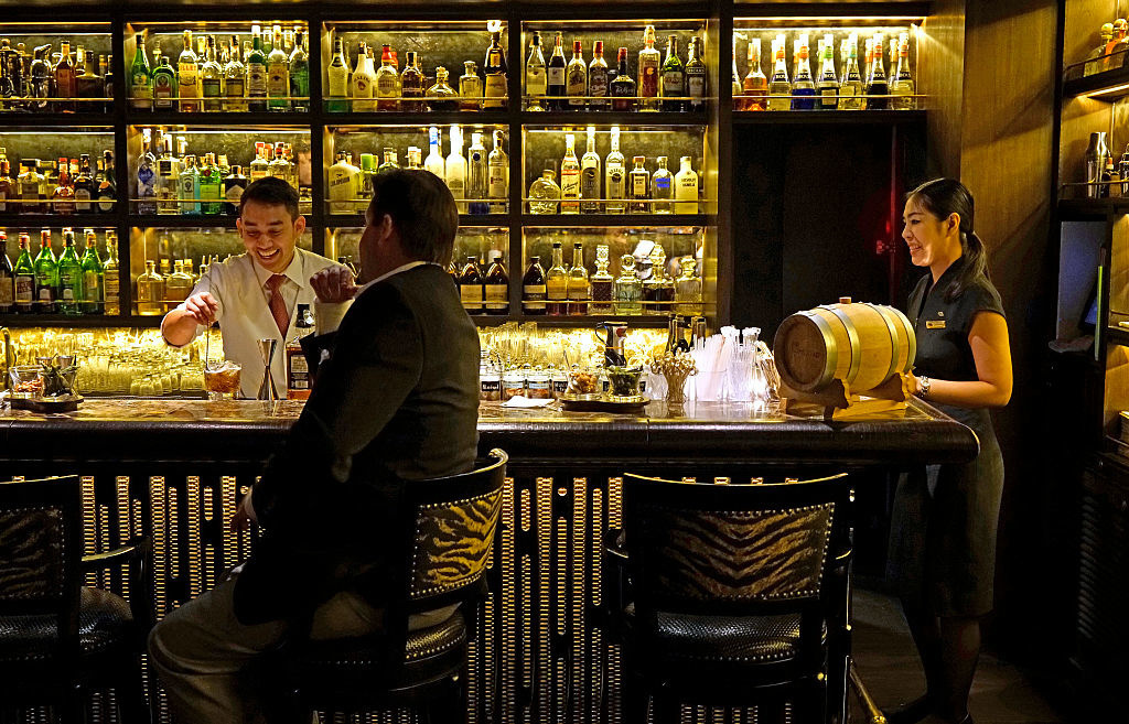 Le Bamboo Bar au Mandarin Oriental Hotel, Getty