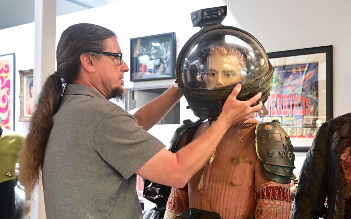 """Le casque porté par l'acteur Tom Skeritt (le rôle de Dallas dans le film """"Alien""""), BelgaImage"""