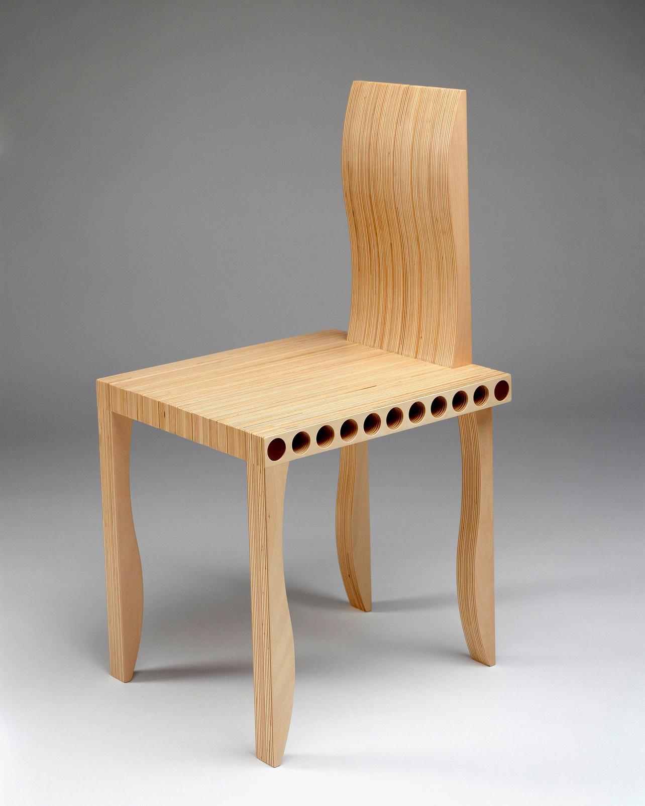 Shigeru Ban, chaise L-Unit System, 2002, Cappellini, Le mobilier d'architectes, 1960-2020, © Cité de l'architecture, Denys Vinson photographe 2019