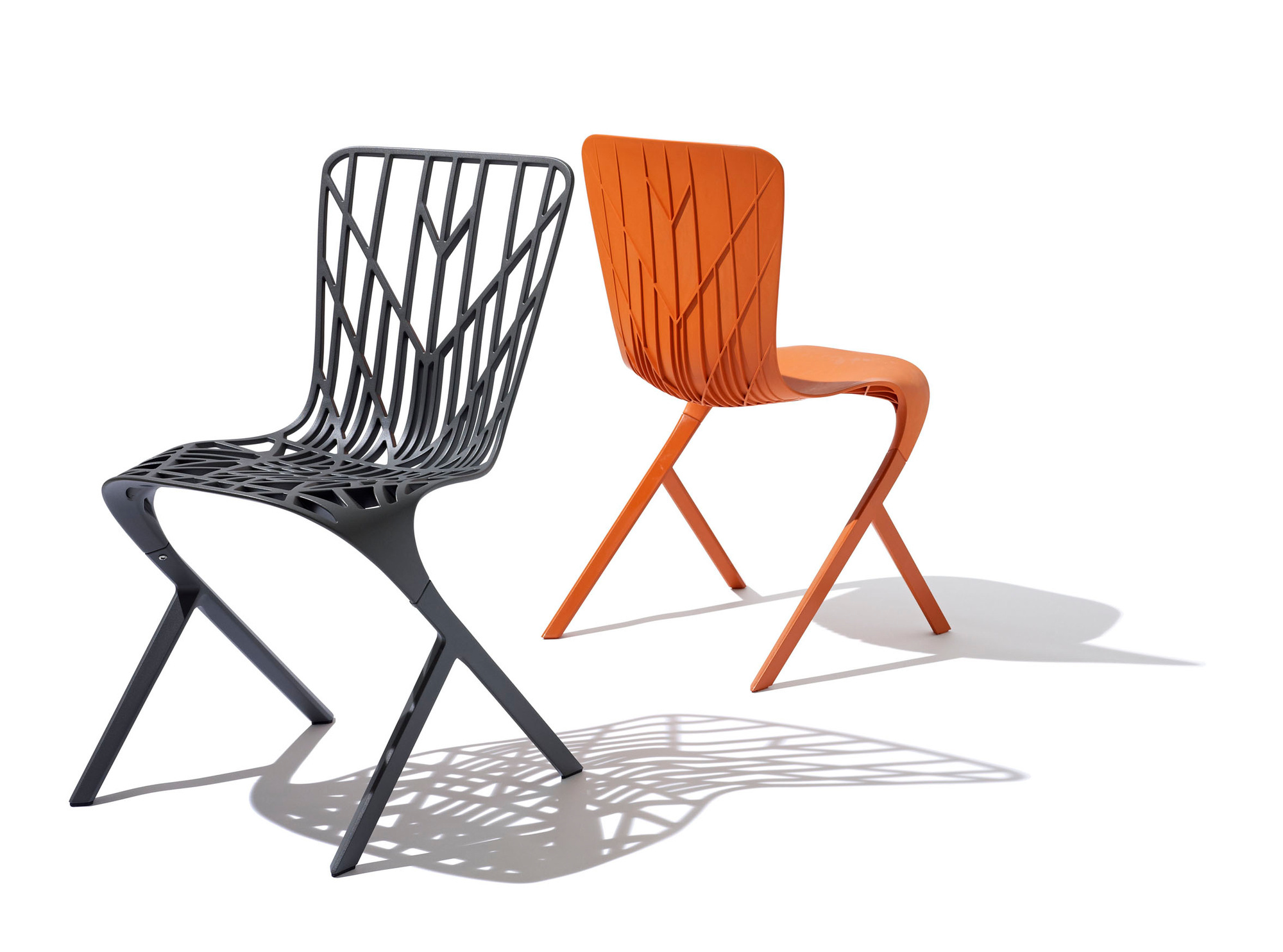 David Adjaye, chaises Washington Skeleton et Washington Skin, 2013, Knoll, Le mobilier d'architectes, 1960-2020, © Cité de l'architecture, Denys Vinson photographe 2019