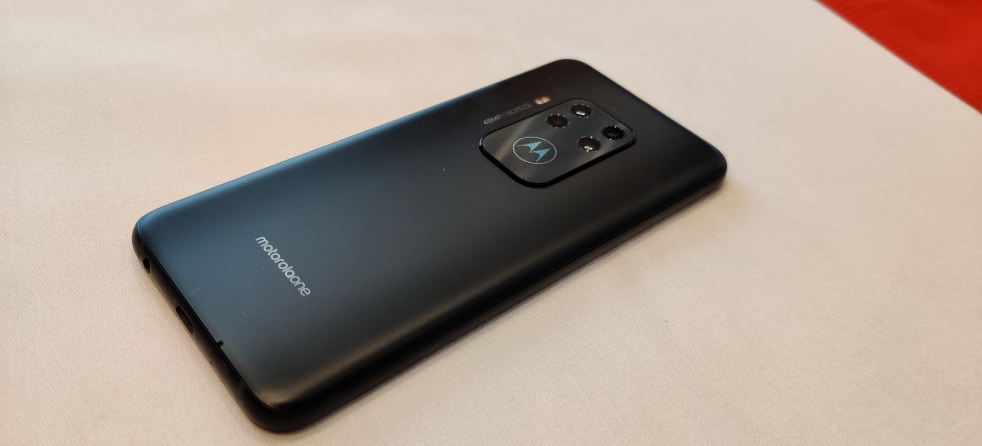 Motorola one Zoom, PVL