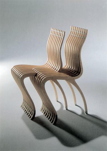 Ron Arad, chaise Schizzo 1 et 2, 1989, Vitra, Le mobilier d'architectes, 1960-2020, © Cité de l'architecture, Denys Vinson photographe 2019