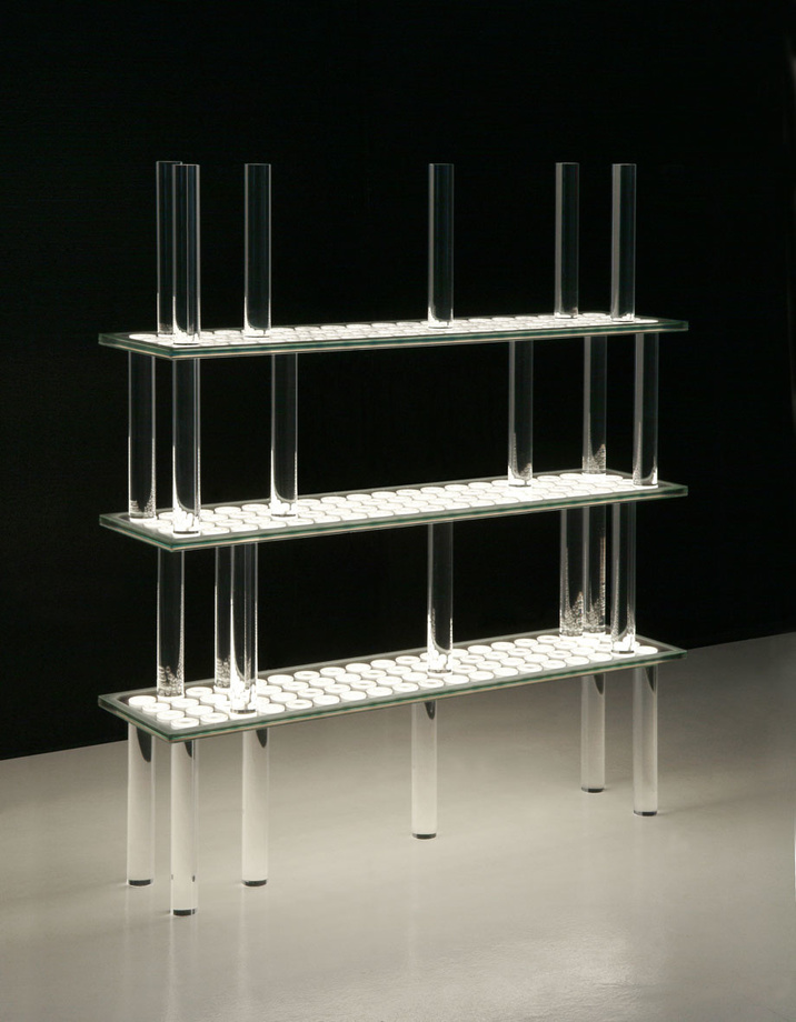 Christian Biecher, Flying dots, exposition Light Prose, 2008, Saazs, Le mobilier d'architectes, 1960-2020, © Cité de l'architecture, Denys Vinson photographe 2019